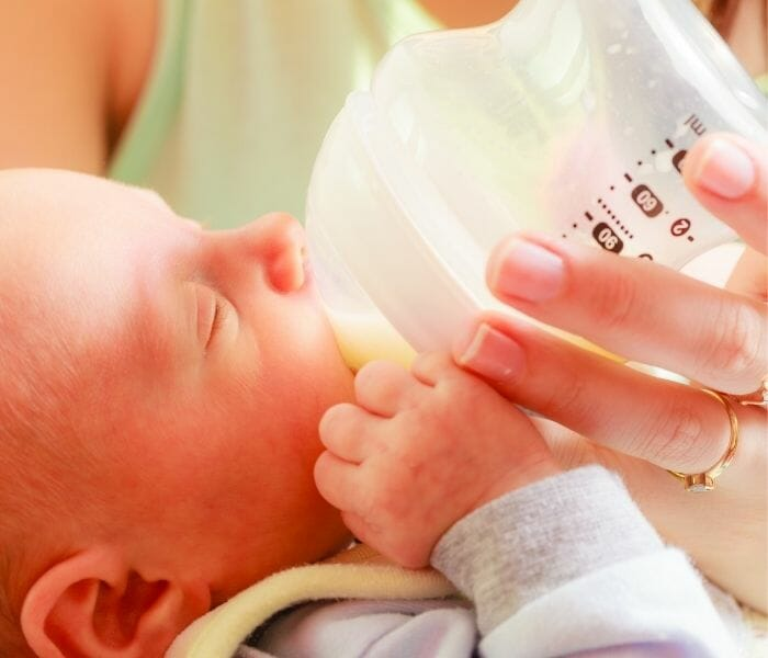 Must Read Bottle Feeding Newborn Baby Tips